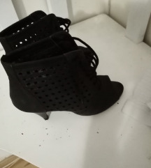 Duboke sandale