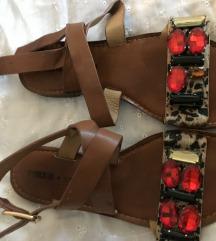 Sandale sa strasom