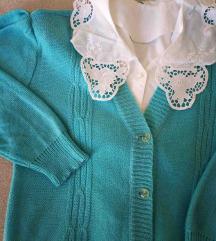 Romanticni vintage pulover sa naglasenim ramenima