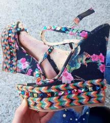 Sandale 40 41 snizene 1000din
