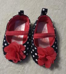Nehodajuće cipelice za novorođenče 0-3 meseca NOVO