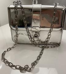 Zara metalic silver torbica