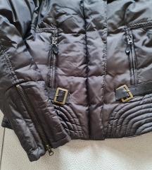Kratka perjana jakna