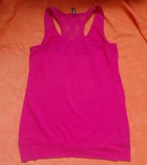 Roze majica na bretele