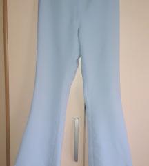 Svetlo plave zvonaste pantalone