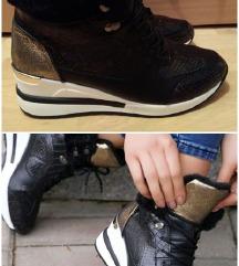 Novo! Zimske cipele 41