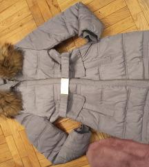 siva jakna sa prirodnim krznom