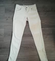 Skinny pantalone Bershka