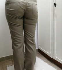 P...S... Bež pantalone