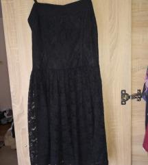 Crna čipkana haljinica