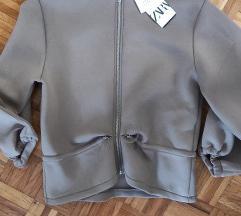 Nova sa etiketom Zara sportska jakna S