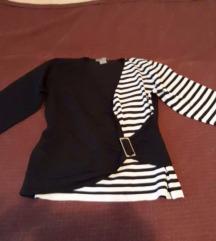 Crno-bela bluza sa snalom