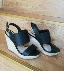 FOREVER 21 crne sandale