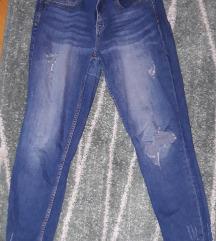 Ripped jeans/iscepane farmerke