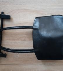Klasična crna torba kao nova