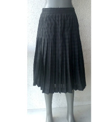 crna plisirana suknja broj M