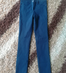 Pantalone  snizene na 900