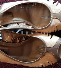 JEFTINO kožne sandale u krem zlatnoj boji broj 40