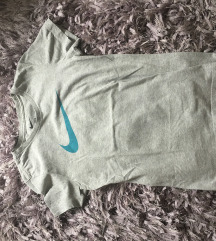 Prelepa original Nike majcica