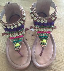 Prelepe sandale-japanke