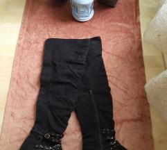 Crne pliš čizme