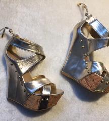 Zlatne sandale na platformu
