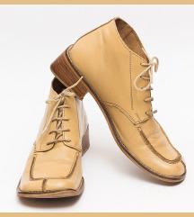 Kožne duboke cipele 39