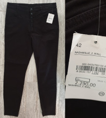 REZ NOVE C&A Crne pantalone XL