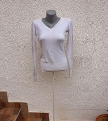 Beli tanki džemper