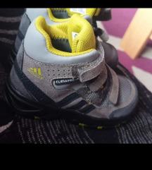 Adidas cipele za decake nove