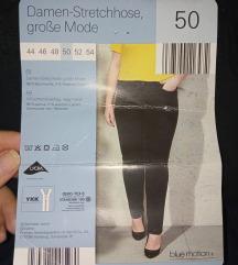 Nove crne pantalone za elegantno popunjene dame