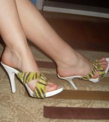 Papuce sa vecom stiklom