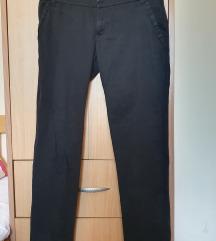 Stradivarius elegantne crne pantalone