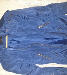 Zara jakna u kraljevsko plavoj boji
