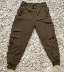 Zara pantalone vel M 1700din