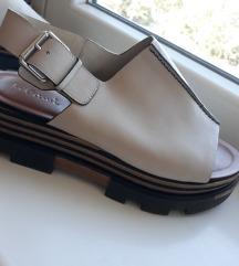 INTREND sandale