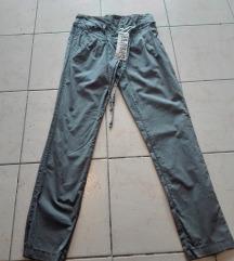 Zenske pantalone trofrtaljke