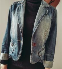 Prolecna teksas jaknica / Novo