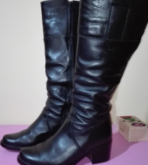 Kozne cizme br 38(25 cm)