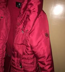 Ekstra crvena zimska jakna