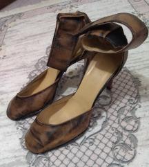 Krem crne cipele