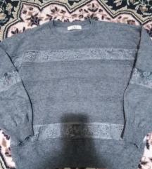 Sivi džemper sa čipkom