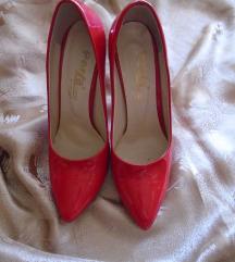 Atraktivne i lepe, crvene salonkice