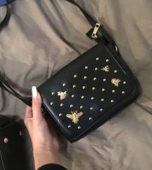Crna torbica na pčele