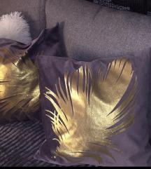 Dve jastucnice sa listom