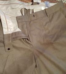 Nove sa etiketom HM pantalone