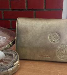 Desigual zlatna torbica  SNIZENJE