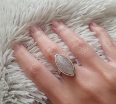 Rozenkvarc prsten