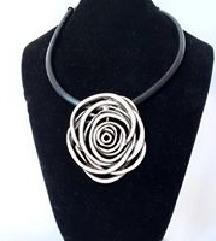 Zenska Elegantna ogrlica od Kaucuka I Alpake
