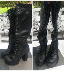 Prelepe crne cizme